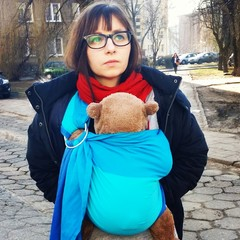 Street winter babywearing