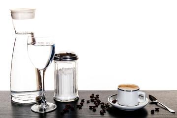 Espresso und Mineralwasser