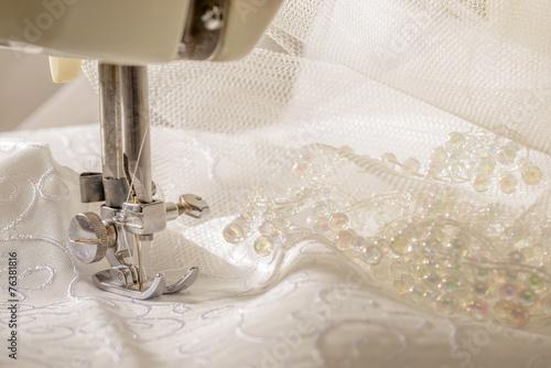 Vintage Sewing Machine - 76381816