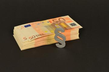 Schwarzgeld, Selbstanzeige, Finanzamt, Geldwäsche, Steuerprüfung