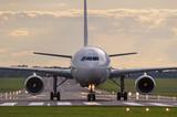 Fototapety Plane on the runway