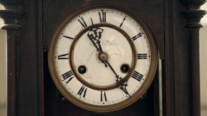 Antique Clock Timelaps 4k