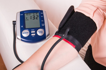Blood pressure gauge examination