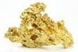 Goldnugget aus Queensland/ Australien isoliert auf weißem Hintergrund