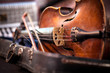 Leinwanddruck Bild - Vintage old used violin and bow