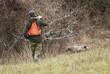 cacciatore con cane - 76396822
