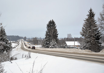 Пятницкое шоссе в деревне Обухово (Солнечногорский р-н) зимой