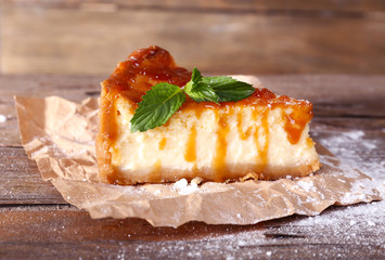Cheese cake with sugar powder