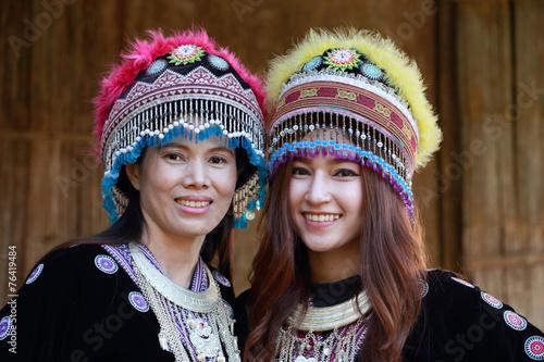 obraz PCV Tradycyjnie ubrani Mhong Kobieta plemię wzgórza
