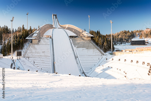 Papiers peints Stade de football New Holmenkollen ski jump in Oslo