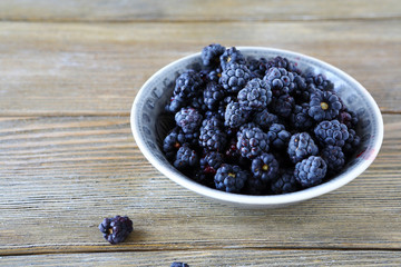 wild blackberries in a bowl