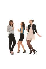 Freundinnen tanzen