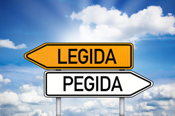Wegweiser mit Legida und Pegida