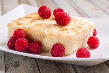 Hungarian sweet cottage cheese cake with with raspberries
