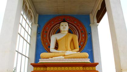 Статуя сидячего Будды, район Унаватуна