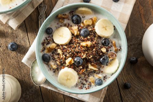 Organic Breakfast Quinoa with Nuts - 76459874