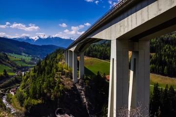 Autobahn am Brenner in Südtirol Italien