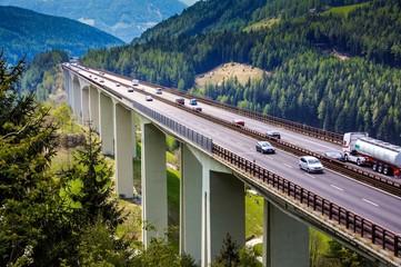 Reiseverkehr auf Brennerautobahn in Südtirol