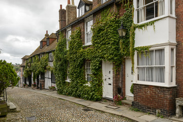 cottages, vine and cobble, Rye