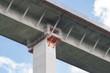 Sanierung einer Autobahnbrücke - 76472474