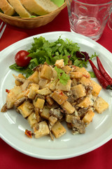 poêlée de pommes de terre et viande émincées