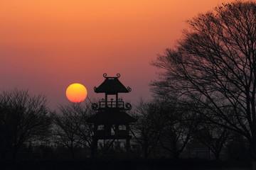 唐古遺跡に沈む夕日