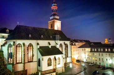 Saarbrücken – Schlosskirche nachts beleuchtet
