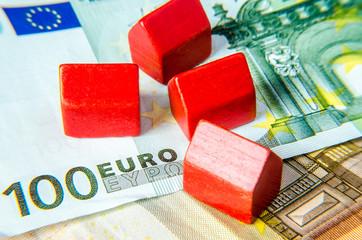 Rote Häuser auf Euroscheinen