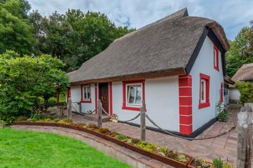 Ein Reetgedecktes Haus auf Rügen an der Ostsee