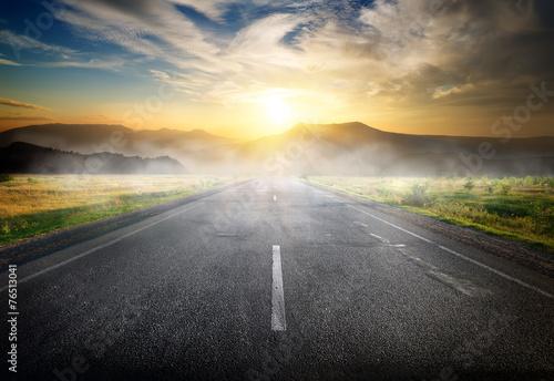Zdjęcia na płótnie, fototapety, obrazy : Highway to mountains