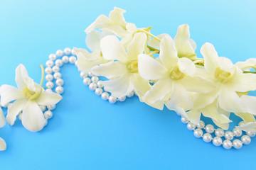 蘭の花とパール