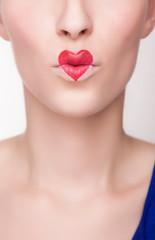 kiss mouth