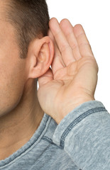 Mann hört schlecht - Schwerhörig