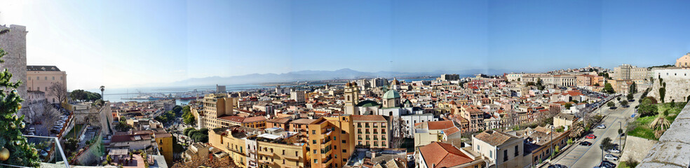 Panorama di Cagliari dal Bastione di Santa Croce