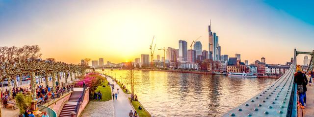 Frankfurt am Main, Skyline Eiserner Steg Sonnenuntergang