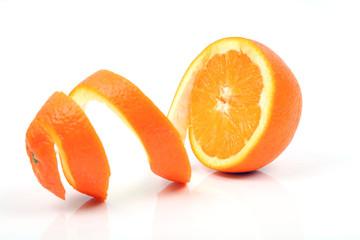 Spiralförmige Orangenschale