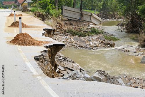 Leinwanddruck Bild Flood damage