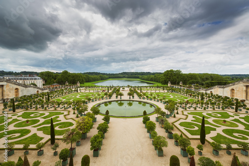 Fotobehang Tuin Beautiful garden in a Famous palace Versailles, France