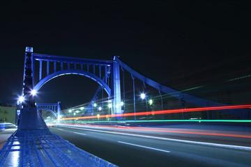 夜の清洲橋 車のテールランプ光線