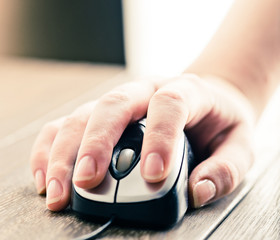 computer mouse with hand