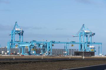 new industrial cranes in the europoort