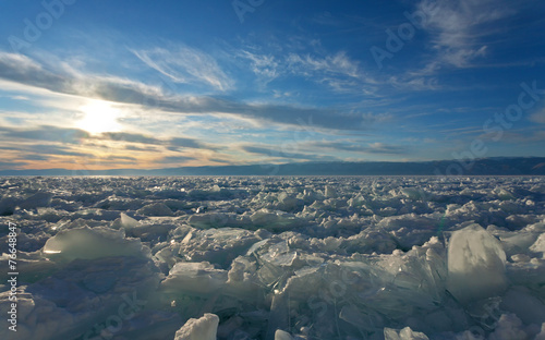 Foto op Canvas Gletsjers Ice hummocks on the frozen Lake Baikal