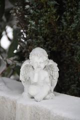 Friedhofsengel im Winter