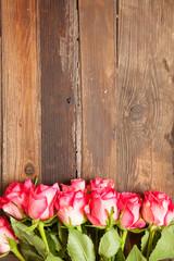 Rosen mir Holz-Hintergrund