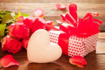 Herz mit Geschenk