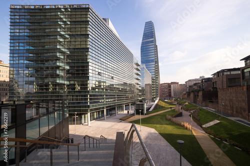 Grattacielo e palazzi a Milano zona nuova - 76662219