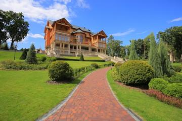 Mezhyhirya Residence