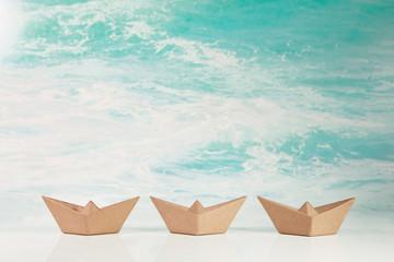 Drei Segelboote: Konzept Hintergrund Business für Strategie