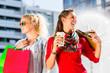 canvas print picture - Frauen beim Einkaufen in der Stadt mit Tüten