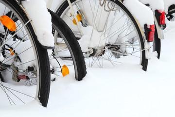 Fahrräder im Winter nur Reifen